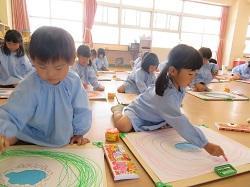 幼稚園 絵遊び 5月10日(木)