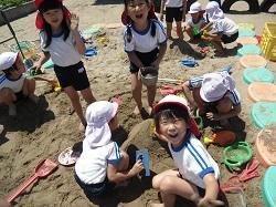 幼稚園 砂場遊び 6月13日(水)