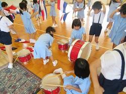 幼稚園 ホールで・・・ 7月19日(木)