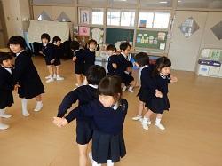 2/25(火) 幼稚園 保育室での遊び