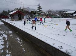 2/18(木)幼稚園 雪遊び